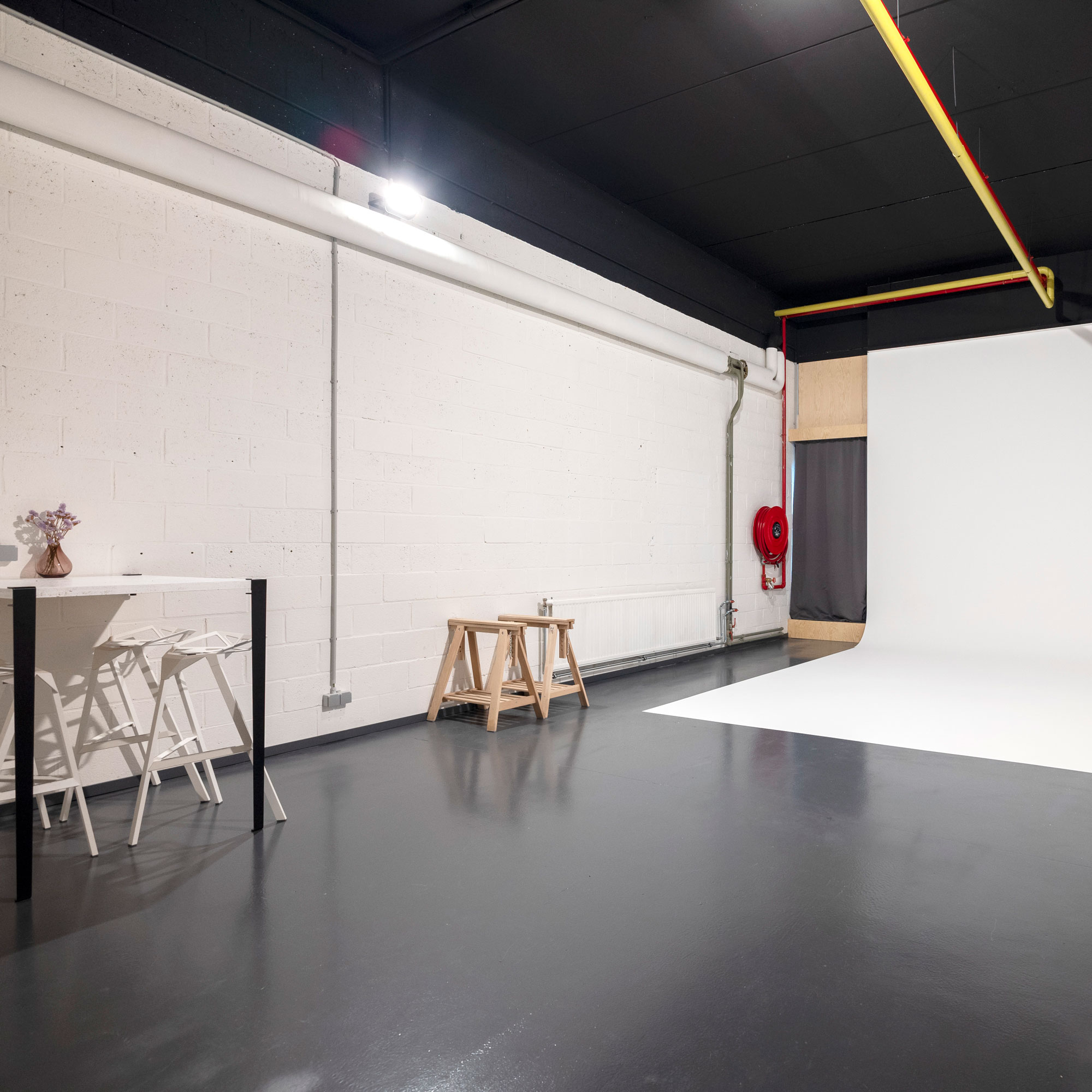 Studio 2 available to rent / verhuur / location at 50.8 Studio • Belgïe, Belgique, Belgium, Catering, Huur, Location, Louer, Photo, Rent, Rental, Soon, Studio, Verhuur, Video